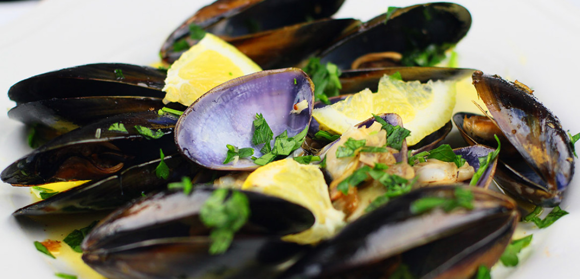 Homecooked » Seafood » Mussels » Moules à la Marinière or Fresh M ...